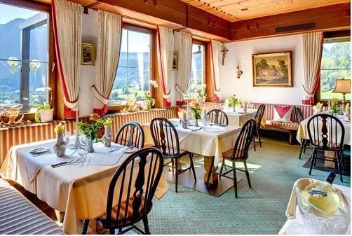 Hotel Restaurant Cafe Neu Meran - dream vacation