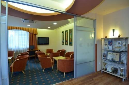 City Hotel Miskolc - dream vacation