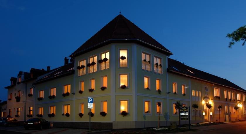 Hotel Korona Eger - dream vacation