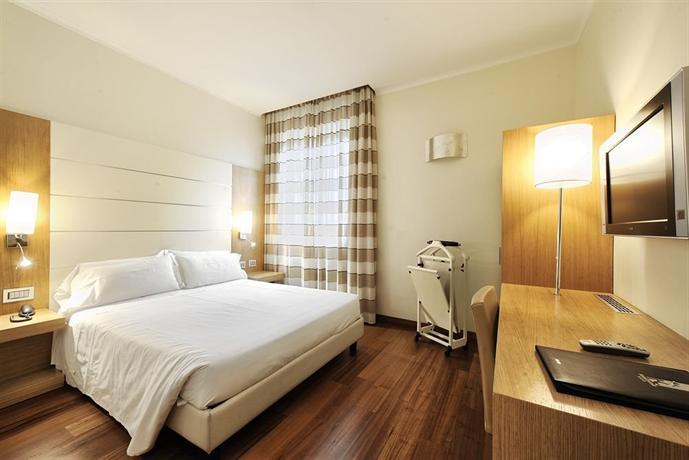 Canada Hotel Milan - dream vacation
