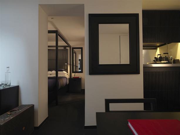La suite west hyde park london compare deals for Kitchen ideas queensway