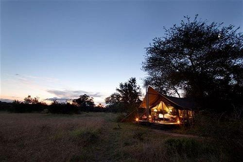 Rhino Walking Safaris Accommodation Skukuza - dream vacation