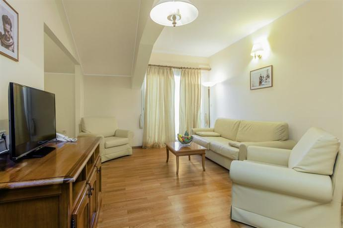Spongiola Hotel Brodarica - dream vacation