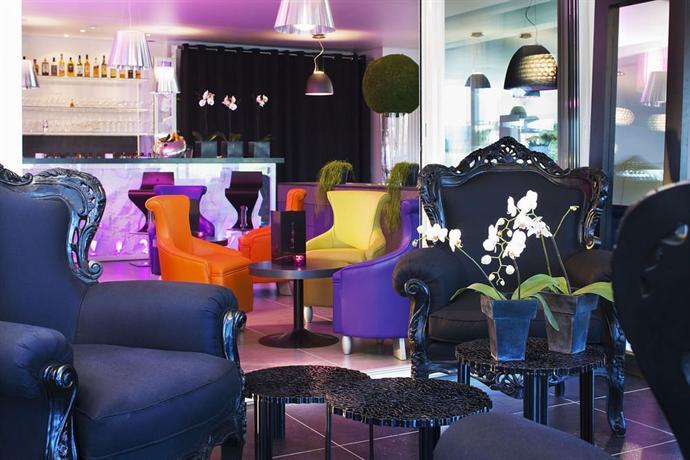 Hotel du golf saint etienne compare deals for Bar a champagne saint etienne