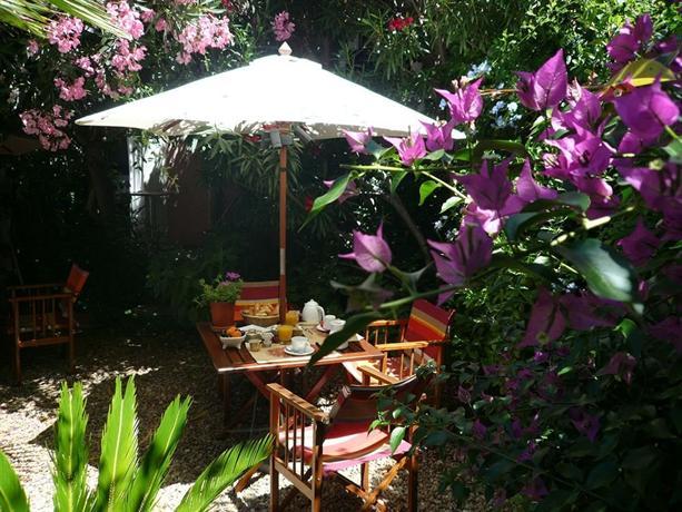 Hotel Des Arceaux Montpellier - dream vacation