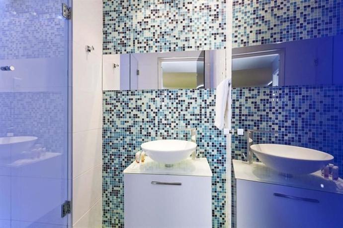 Color design hotel paris die g nstigsten angebote for Hotel color design paris