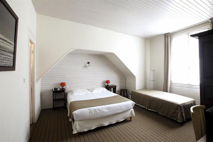 hotel de france restaurant l 39 insolite douarnenez compare deals. Black Bedroom Furniture Sets. Home Design Ideas