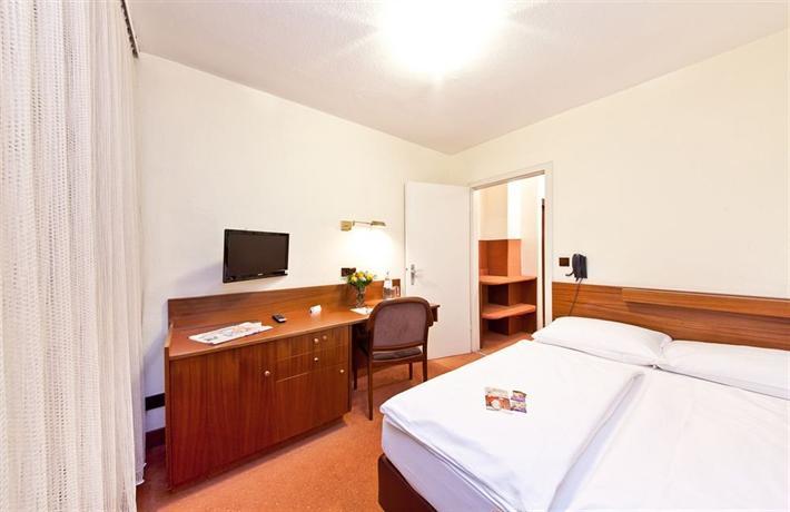 Novum Hotel Rieker Stuttgart Hauptbahnhof - dream vacation