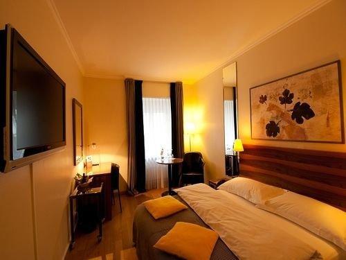 Central Plaza Hotel Zurich - dream vacation
