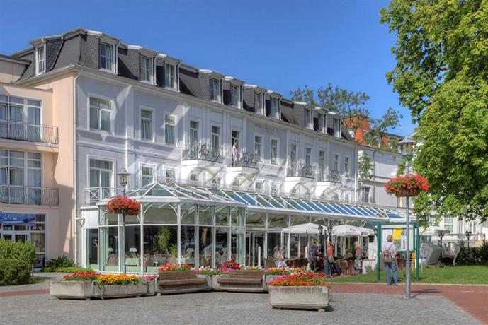 Seetelhotel pommerscher hof heringsdorf compare deals for Guesthouse hof island