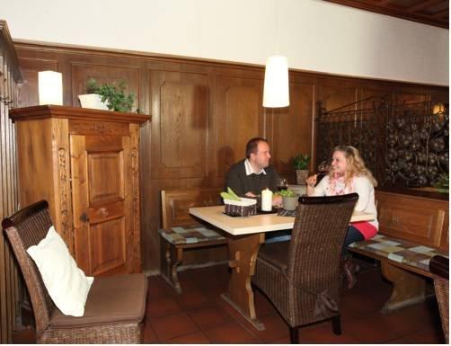 Hotel & Weinhaus Zum Schwarzen Baeren - dream vacation