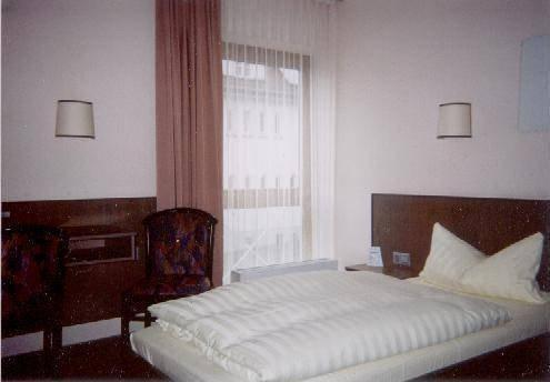 Hotel Astra Ulm - dream vacation