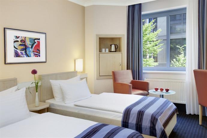 Intercityhotel nurnberg nuremberg compare deals for Nurnberg hotel