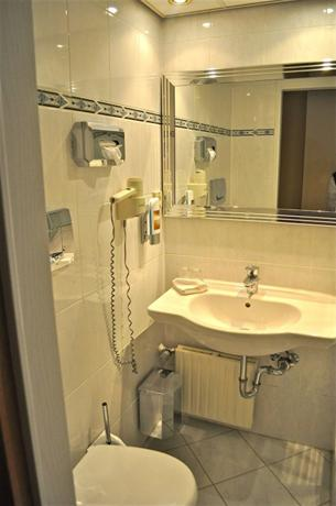 Savoy Hotel Frankfurt - dream vacation
