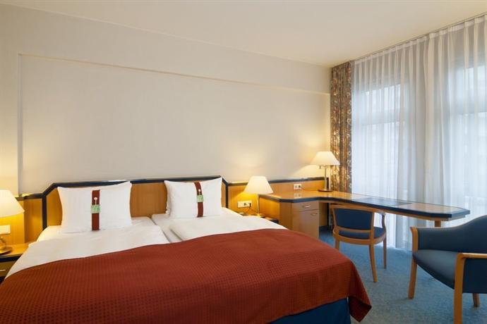 Holiday Inn Hamburg - dream vacation