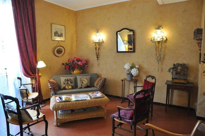 h tel central bastia comparez les offres. Black Bedroom Furniture Sets. Home Design Ideas
