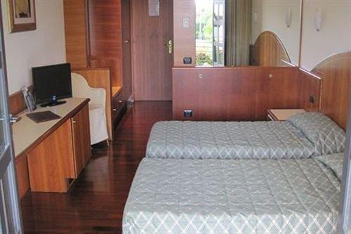 Prestige Hotel Ornago - dream vacation