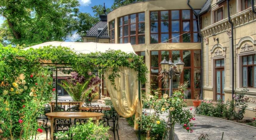 Hotel Restaurant Casa cu Tei - dream vacation