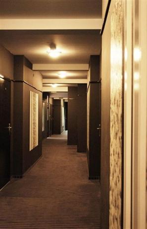 Black & White Hotel Myslenice - dream vacation