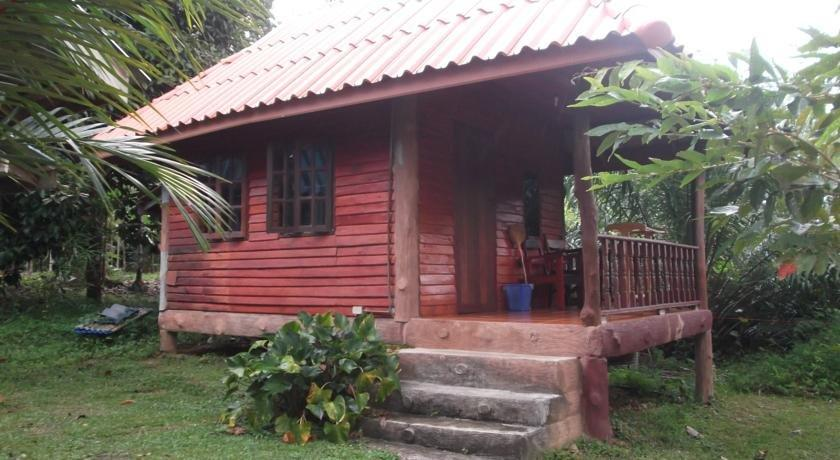 Nung House Bungalows & Jungle Trekking