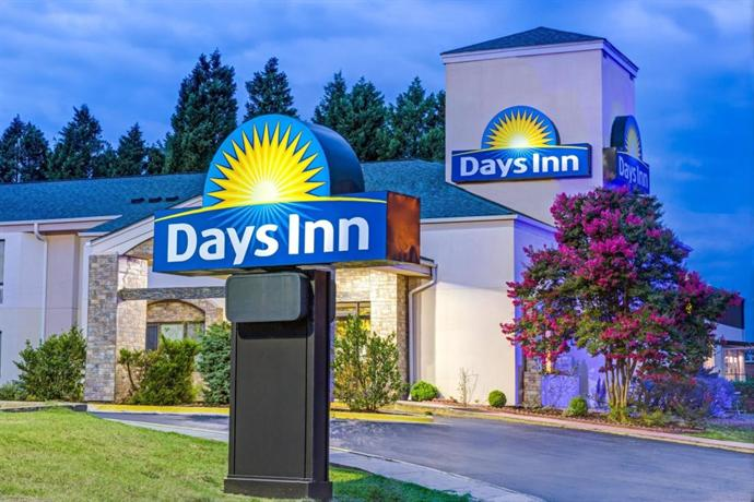 days inn escorts salisbury nc