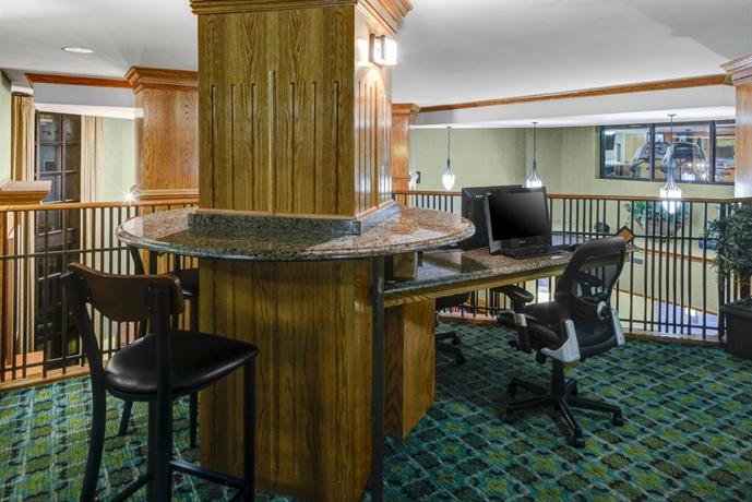 Holiday Inn Express Hotel & Suites Atlanta Buckhead - dream vacation
