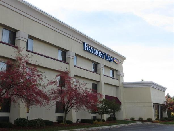 baymont inn suites traverse city compare deals. Black Bedroom Furniture Sets. Home Design Ideas