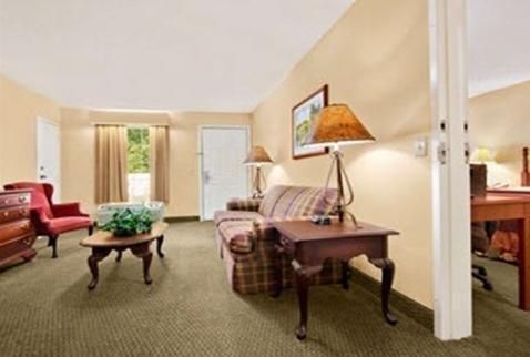 Baymont Inn & Suites Eufaula - dream vacation