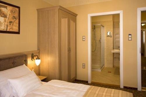 Barokk Hotel Promenad Gyor - dream vacation