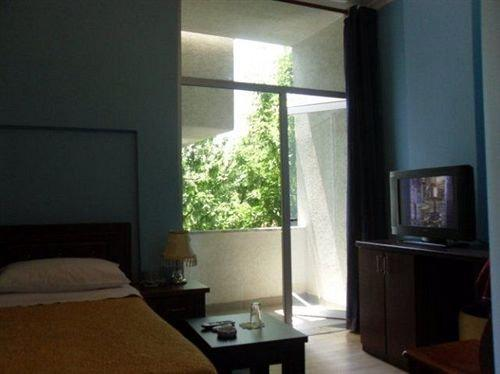 Lubjana Hotel Tirana - dream vacation
