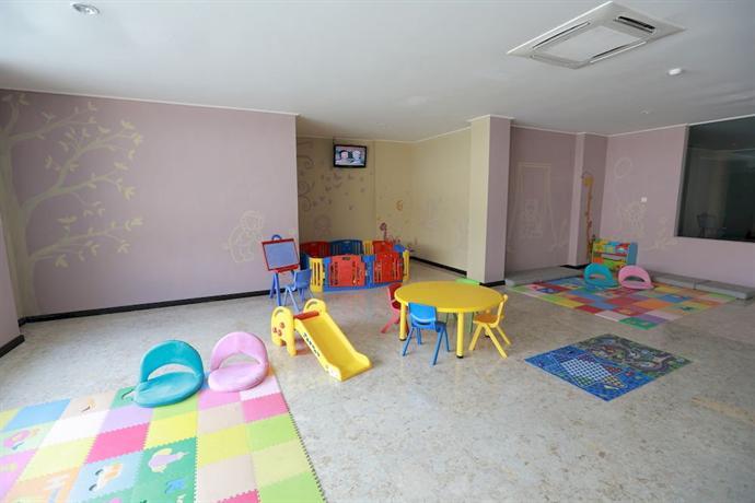 Singhasari Resort Family Room