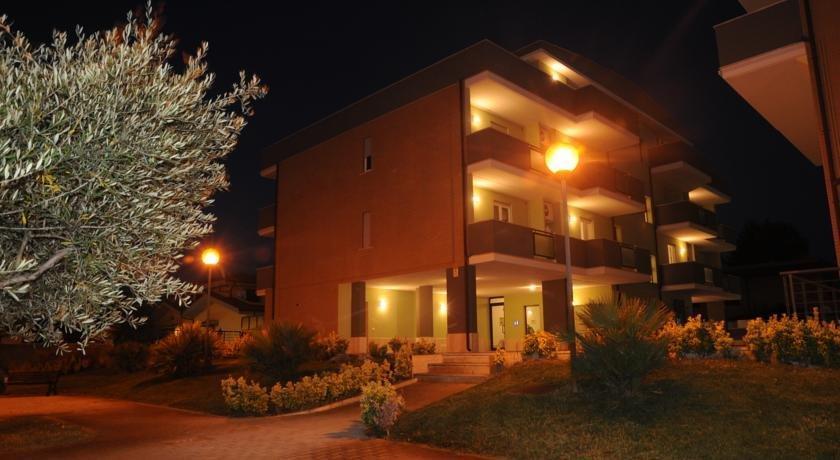 Isa Fiumicino Airport Residence