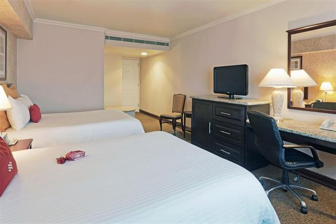 Crowne Plaza Hotel Nuevo Laredo - dream vacation