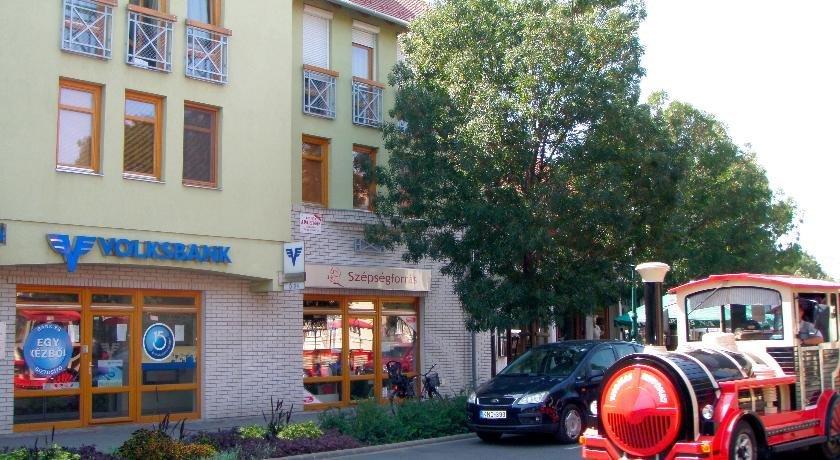 Kossuth Apartman - dream vacation