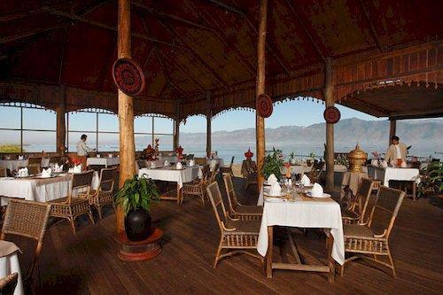 Shwe Inn Tha Floating Resort - dream vacation