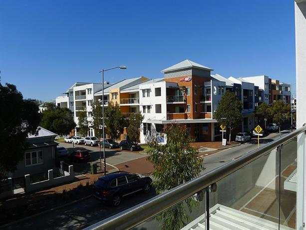 Citylights perth compare deals for 137 st georges terrace perth