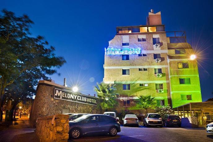 Melony Motel - dream vacation