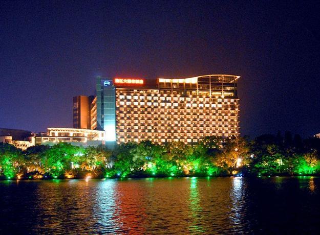 Lijiang Waterfall Hotel - dream vacation