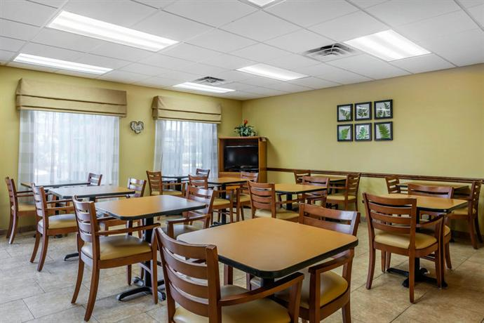 Sleep Inn & Suites Wildwood - The VIllages - dream vacation