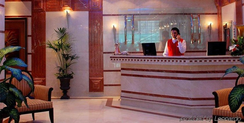 OYO 137 Clifton International Hotel