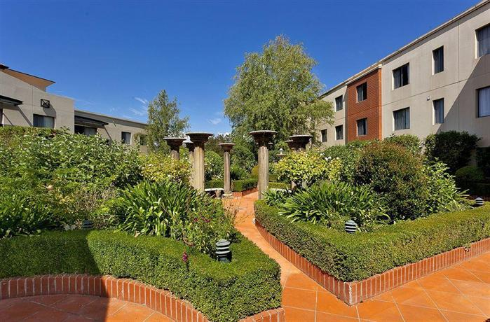 Townhouse Hotel Wagga and Apartments by Townhouse