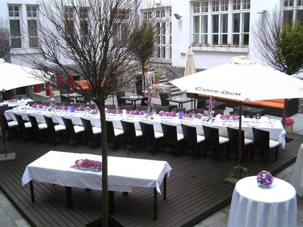 The levante parliament a design hotel vienna compare for Design hotel vienna