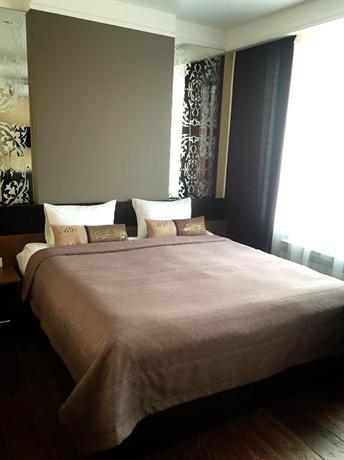 Alekses Hotel