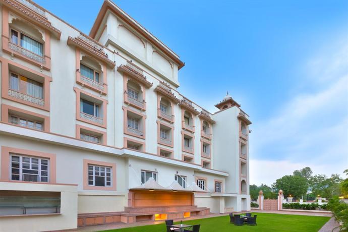 Holiday Inn Jaipur - dream vacation