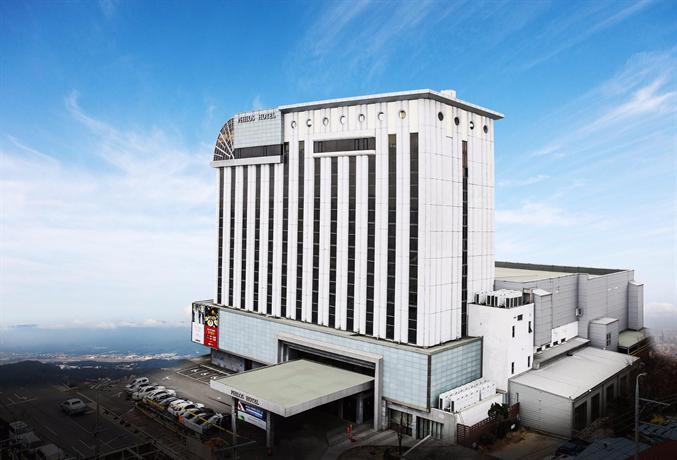 필로스 투어리스트 호텔