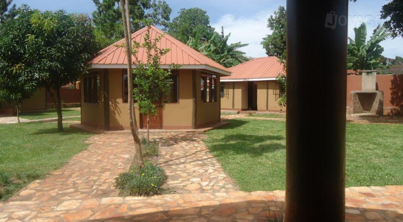 Jinja Safari Camp - dream vacation
