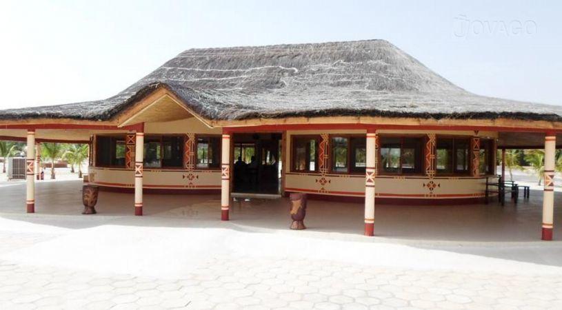 Adjana hotel kaolack comparer les offres for Comparer les hotels