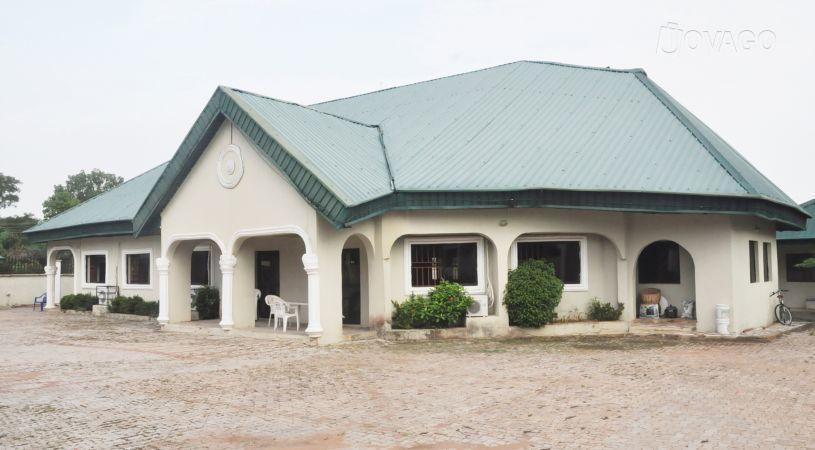 Famvar Guest House - dream vacation