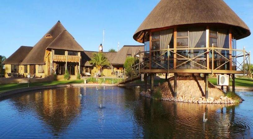 Lapa Lange Game Lodge - dream vacation