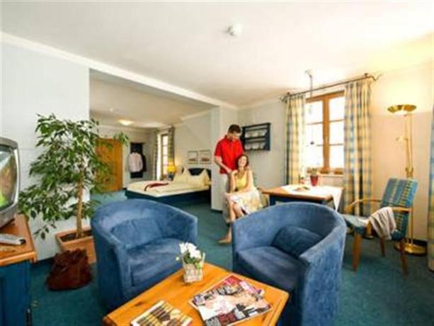 MONDI HOLIDAY Seeblickhotel Grundlsee - dream vacation
